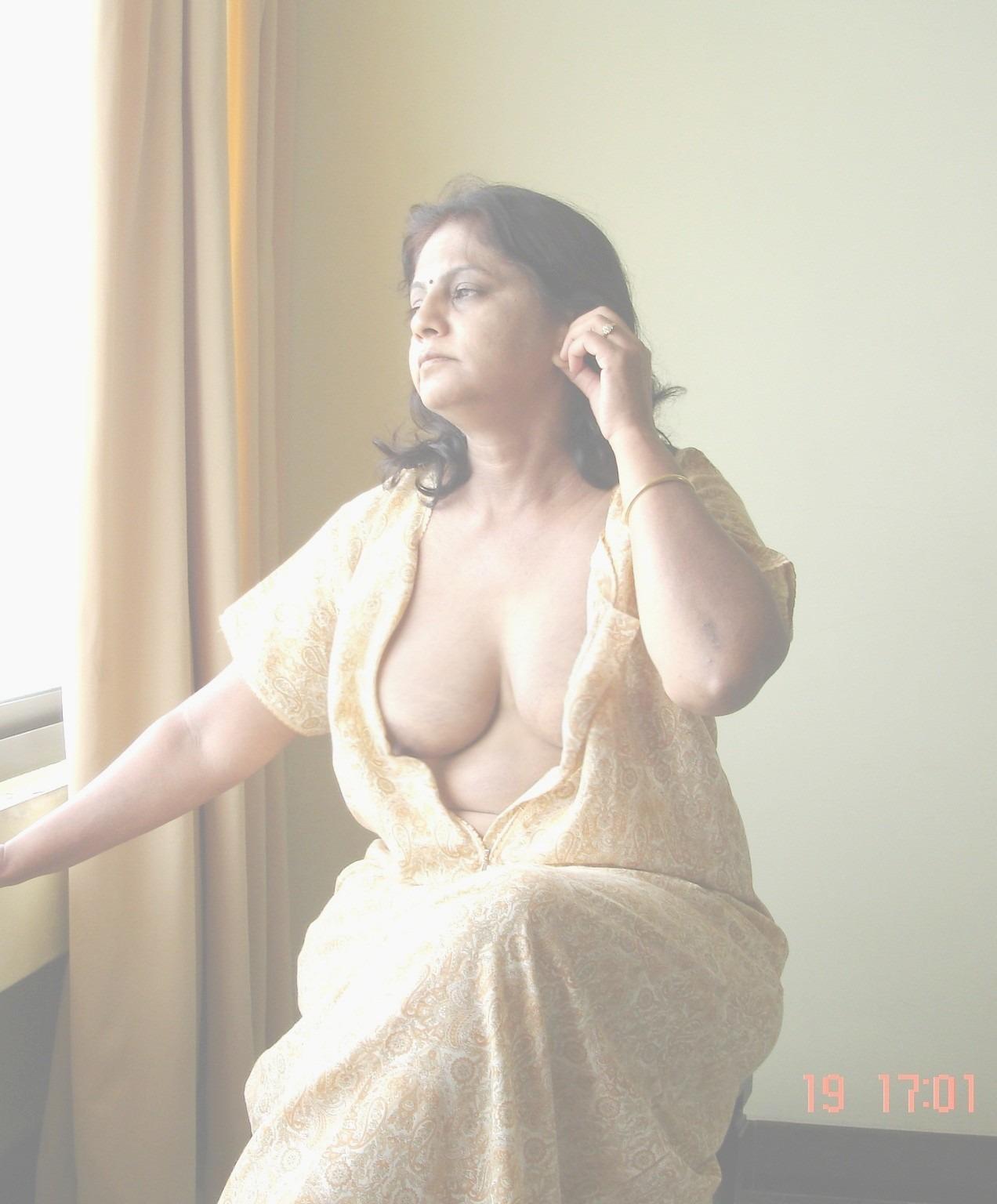 Mom nude nighty — pic 12