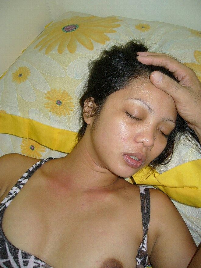 Asian women drunk having sex — photo 9