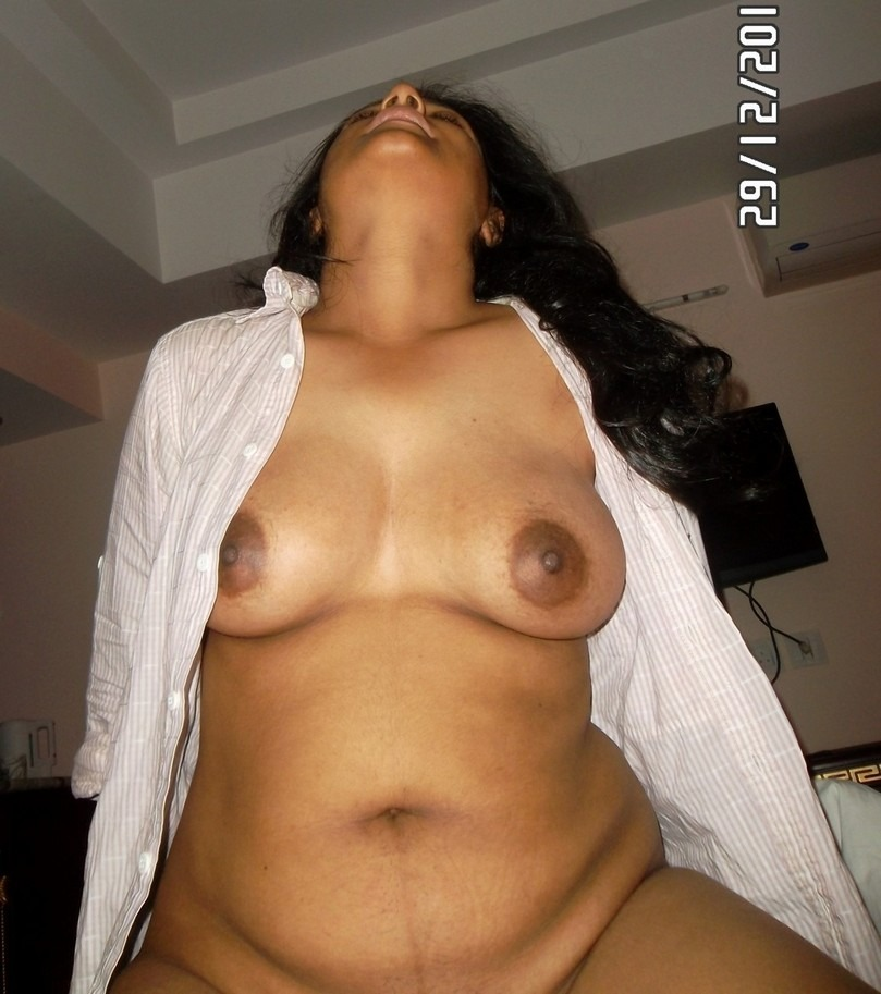 Aunty naked relaxing — 6