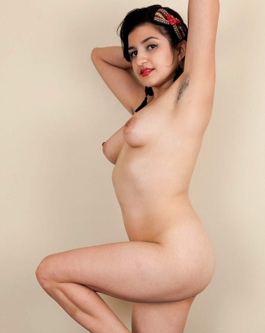 Blu pakistan girls topless chopra hot