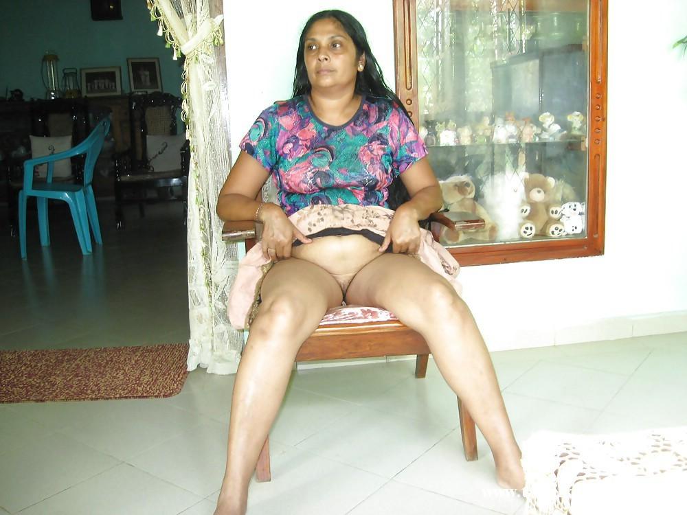 Teen shorts arab wives wife housewife